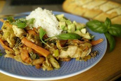 Geschnetzeltes mit Gemüse in Erdnusssoße