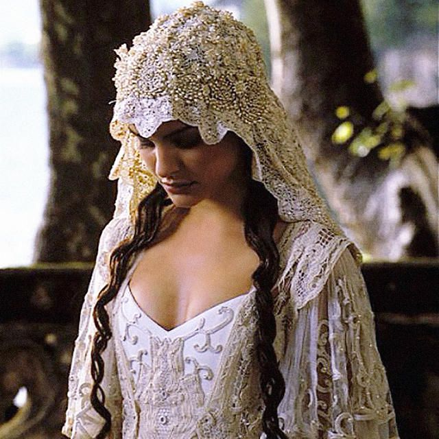 Weird Facts Behind 6 Famous Star Wars Costumes -- wow, I can't believe Padme's wedding dress was made from a bedspread!