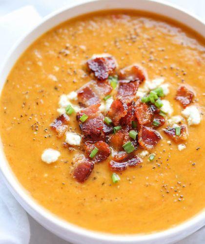 Soupe de courge butternut rôti et bacon (La meilleure soupe de l'automne!)