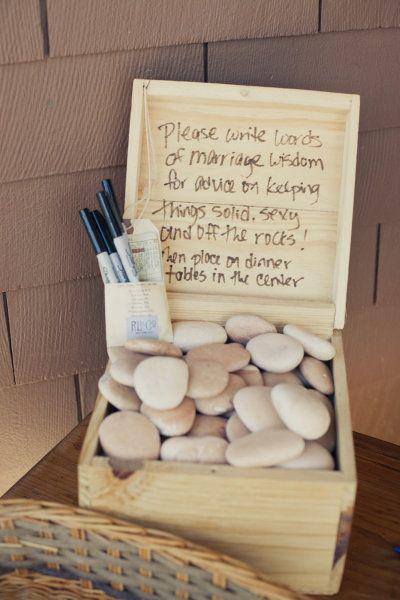 Könnte auch ein cooles Gästebuch sein, wenn jeder einen Stein beschreibt und später ne süße Erinnerung und deko für Zuhause