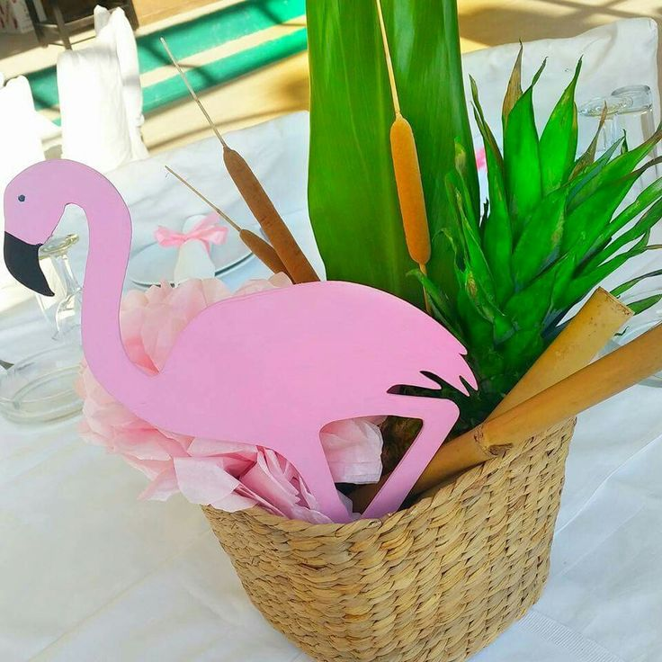 Pink flamingo baskets