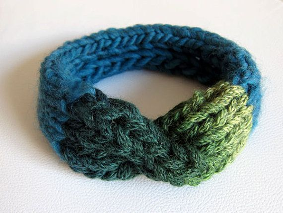 ONE OF A KIND. Hand Knitted Headband. Bow Collar. Wool. by OkBee, €20.00