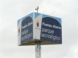 La Comunidad facilita una mejor gestión del entorno en el Parque Tecnológico de Fuente Álamo. http://www.europapress.es/murcia/noticia-comunidad-facilita-mejor-gestion-entorno-parque-tecnologico-fuente-alamo-20131229125957.html