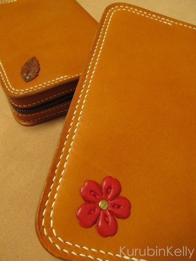 Bible Case | Bible Cover  #biblecover #biblecase #flower #leather #okinawa #japan  #聖書カバー #レザー #革 http://kurubinkelly.ti-da.net/e4055846.html