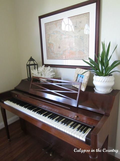 Decorating the top of a piano decor pinterest pianos for Piano room decor