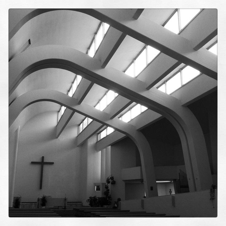 Chiesa Santa Maria Assunta a Riola di Vergato;   architetto Alvar Aalto;  anno 1977-78