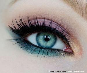 Trend2Wear | Spring inspired eye makeup - Trend2Wear
