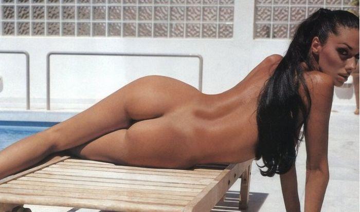 Νόνη Δούνια Γυμνή στο Playboy  (1)