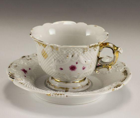Šálek na čaj * krásně zdobený bílý porcelán * Míšeň ♥♥♥