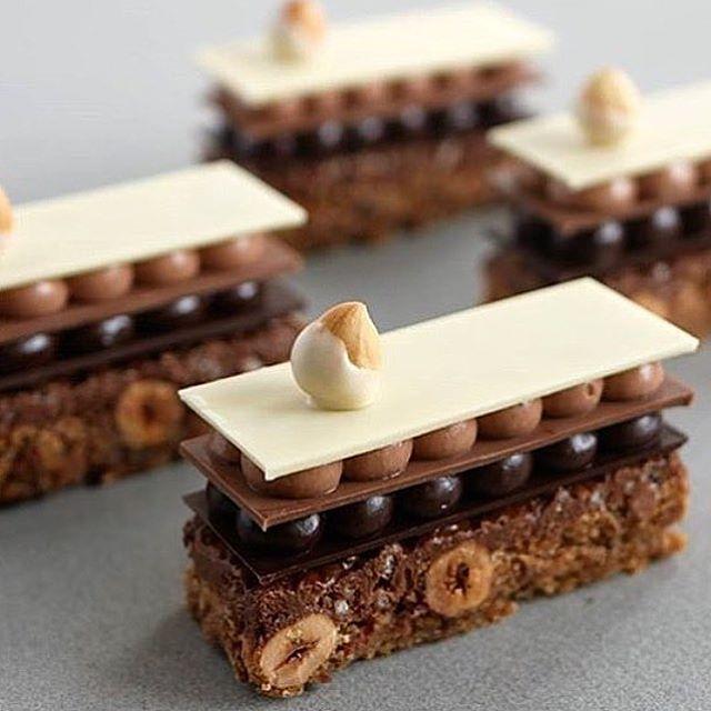 1,984 mentions J'aime, 10 commentaires – Okmycake (@okmycake) sur Instagram : « By @alon_shabo #okmycake #hotchocolate #jimmychoo #chocolate #patisserie #pastrychef #pastry… »