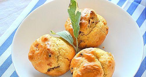 Yummylicious!  Υλικά 2 κούπες αλεύρι 1 κ.σ. (10γρ.) baking powder 1 κ.σ. κοφτό αλάτι 1 μεγάλο αβγό 1/3 κούπας σπορέλαιο 1 κούπα γιαούρτι ή γ...