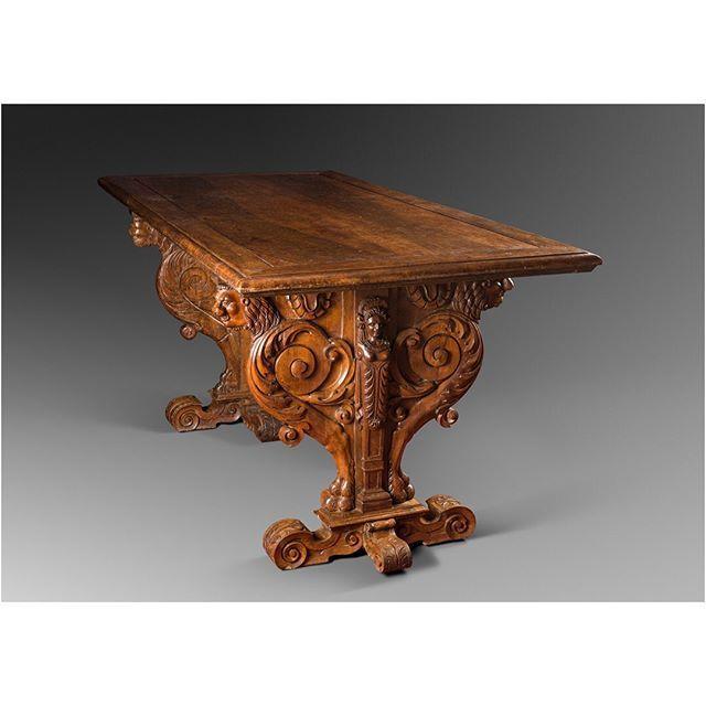 Pieceoftheday Importante Table D Apparat D Epoque Renaissance De L Ecole D Hugues Sambin France Dijon Seconde Ren En 2020 Meuble Baroque Renaissance Mobilier De Salon