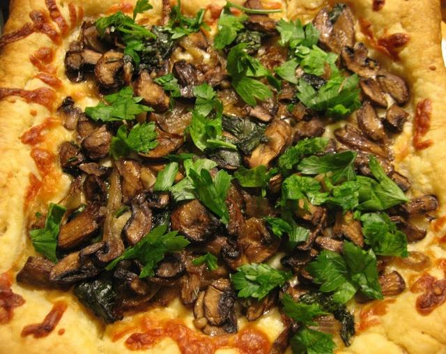Caramelized Onion and Mushroom Tart | Delicious | Pinterest