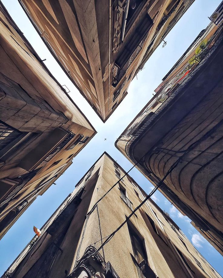 pinch-to-zoom  The Gothic Quarter | Barcelona #lookup #Barcelona #architecture