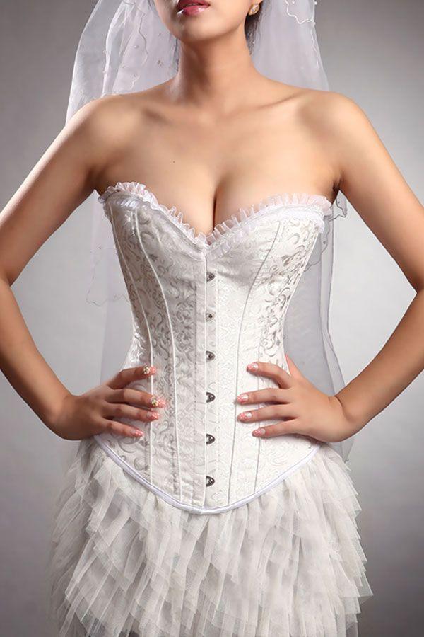 ドレスと体型に合わせたインナーで美しいボディたいんを目指そう☆おすすめのドレス用インナー、結婚式・ウェディング・ブライダルの参考に♪