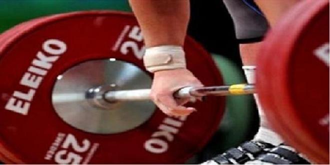 Covesia.com - Lifter asal Jawa Barat, Susi Susanti di kelas 52 kilogram pecahkan enam rekor angkat berat pada PON XIX/2016 di Gelora Sabilulungan, Soreang,...