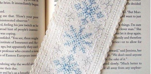 """Вышивка крестом """"Снежинки"""". Закладка своими руками"""