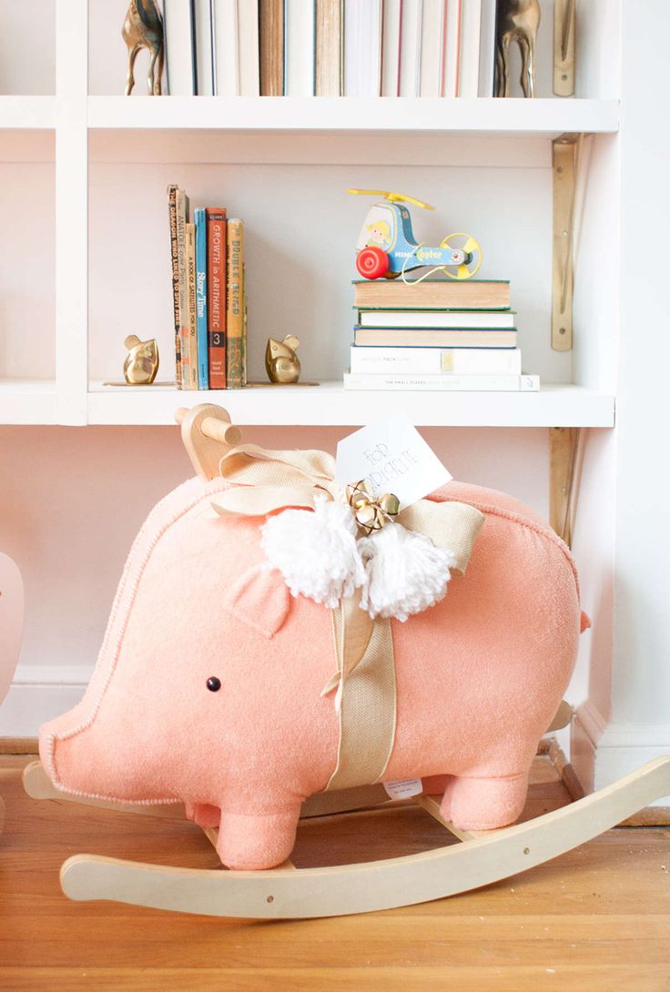 I have one last really cute giveaway for Christmas! The Land of Nod is offering 20% off of rockers and ride-ons today (12/17)and to celebrate, I'm giving away one adorable Little Piggy Rocker (I mean, seriously, that face! I can't handle it!). To enter, just leave a comment on this blog post, and I'll be […]