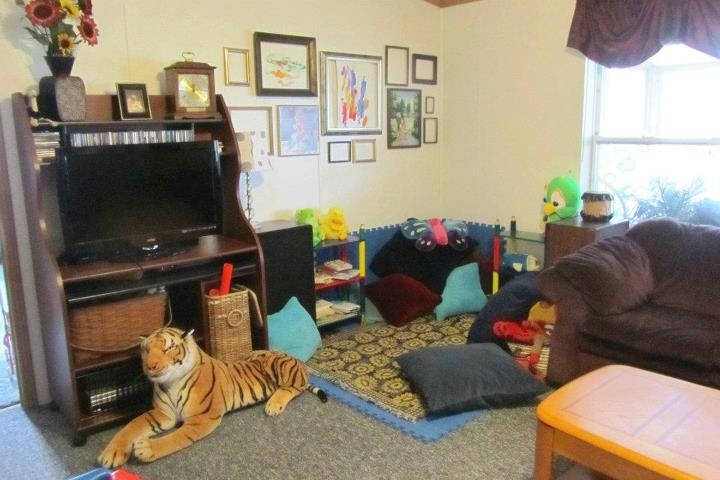 23 best ideas about living room and play area on pinterest for Kids play area in living room ideas