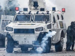 Venezuela 2017 Crisis : Protesters Demand Political Economic Reform In The Country