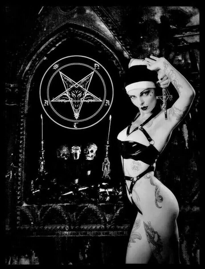 Naked metal girls 3