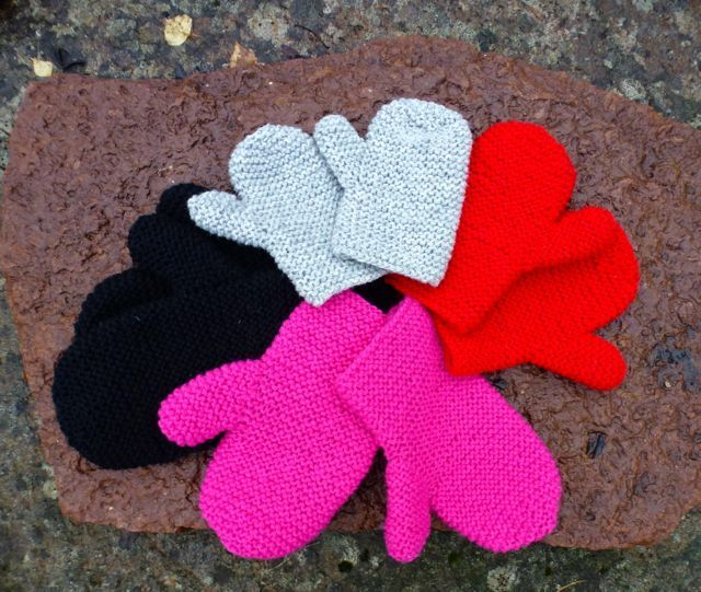 Family mittens Pattern for the whole family!