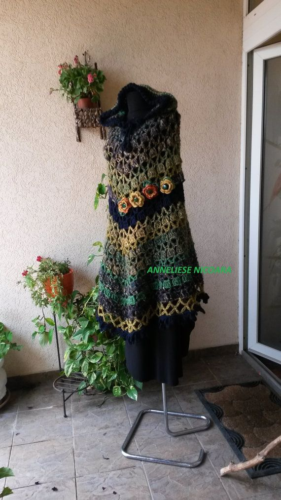 Hooded Poncho/Crocheted Bohemian poncho with by AnnesMagicCrochet