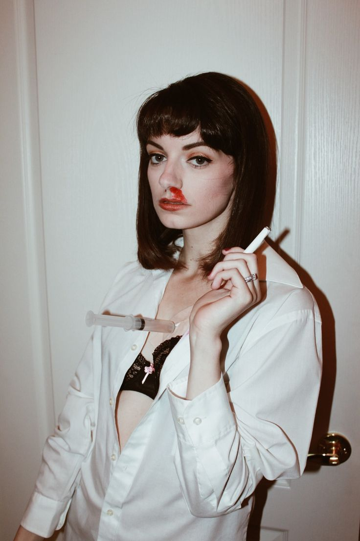 1000+ ideas about Mia Wallace Costume on Pinterest  Pulp Fiction Halloween C...