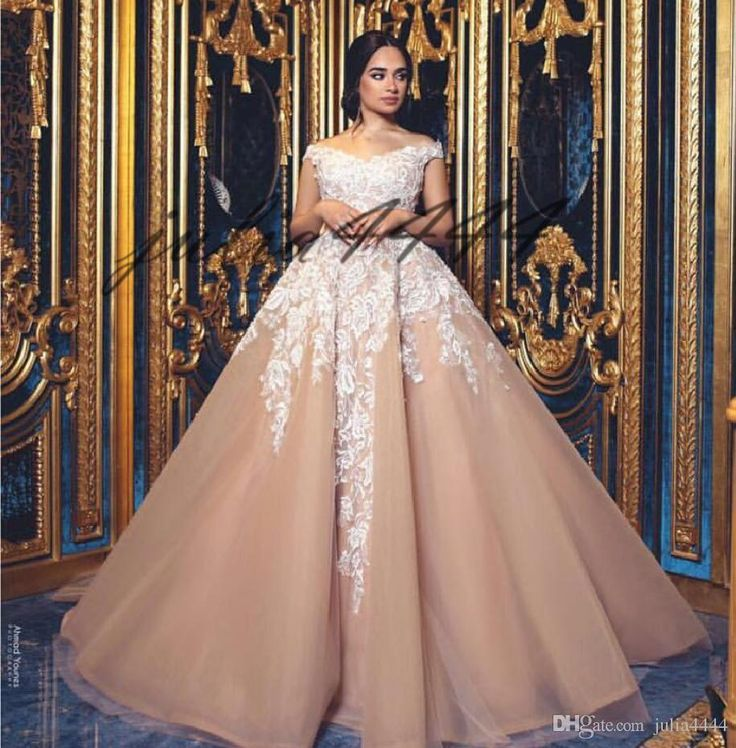 Blush Pink Off the Shoulder Vintage Ball Gown Sleeveless Wedding Dresses 2019 Lace Appliques Ruched Church Bridal Gowns Vestidos