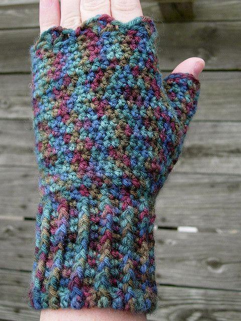 Gigi's Fingerless Mitts: #free #crochet #pattern