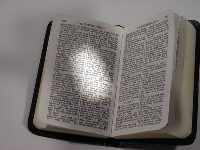 Juegos:  -Descubrir a que testamento pertenece el libro escrito en tarjeta. -El que más libros escriba en 5 min -Bingo