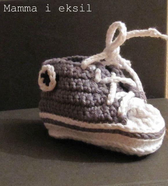 """mamma i """"eksil"""": Endelig fikk jeg det til! Heklet baby converse sko"""