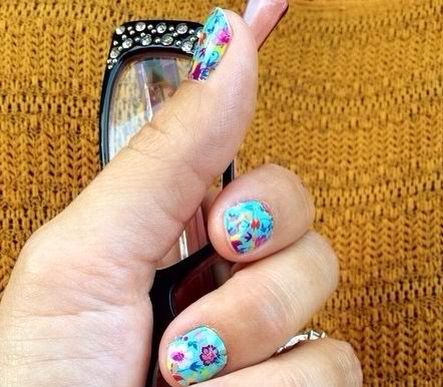 Secret Promise Jamberry Nail Wraps! Click the image to see what you can create with over 300+ designs. Find me on Facebook for a FREE sample:  https://www.facebook.com/jamberrynailswithsarahwiley
