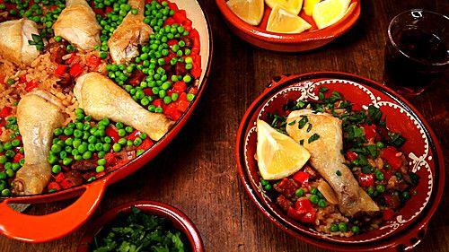 Einfache Paella mit Chorizo und Hähnchenkeulen, ein beliebtes Rezept aus der Kategorie Rind. Bewertungen: 4. Durchschnitt: Ø 3,2.