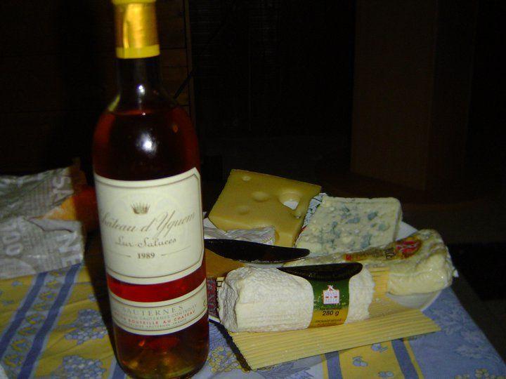 Un dégustation que l'on fait une fois dans sa vie. Un Château d'Yquem extraordinaire !!!!!! #chateau #yquem #vin #blanc #lursaluces #chateaudyquem #sauternes #wine #white #sweet #cheese #fromage #caveosaveurs