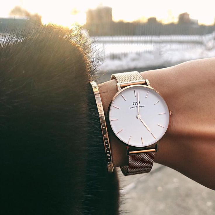 Trust me you NEED a Daniel Wellington✨Code: ALISSA15 for 15% OFF & Free Shipping. Choose your fav watch and you can pair it with a cuff. Differently styles and all watch bands are interchangeable so u can mix & match! #danielwellington #watches #accessories #discount #shopping