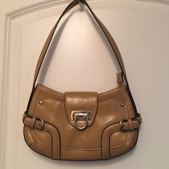 Beige purse Beige purse with buckle from Apt.9. Dark brown trim. Leathery material. Very good condition! Apt. 9 Bags Shoulder Bags
