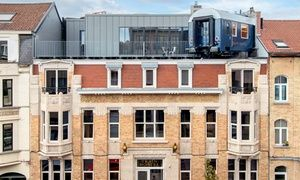 Groupon - Brussel: 1-2 nachten in een Kamer, Suite of Treincabine met ontbijt en mousserende wijn voor twee in Train Hostel in Train Hostel. Groupon deal-prijs: 49€