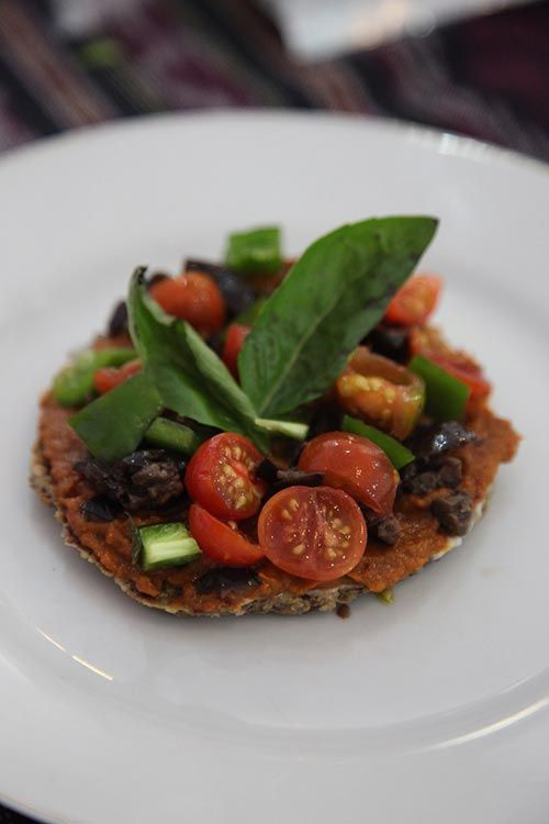 133 best my raw food recipes blog posts images on pinterest mouthwatering mini raw pizza recipe the best raw pizza youll ever eat forumfinder Choice Image