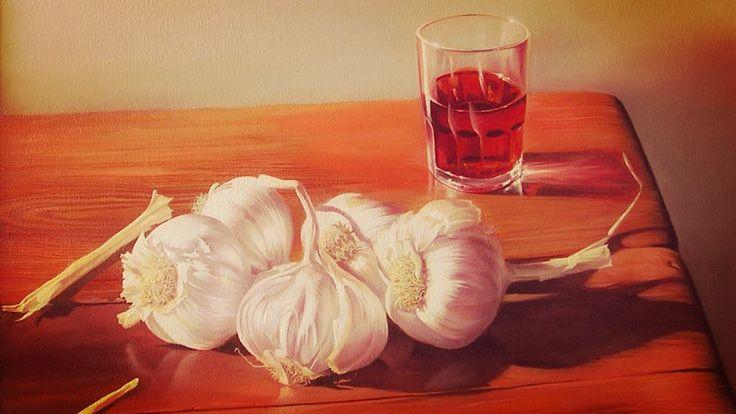 Remedio de ajo y vino tinto para mejorar la salud