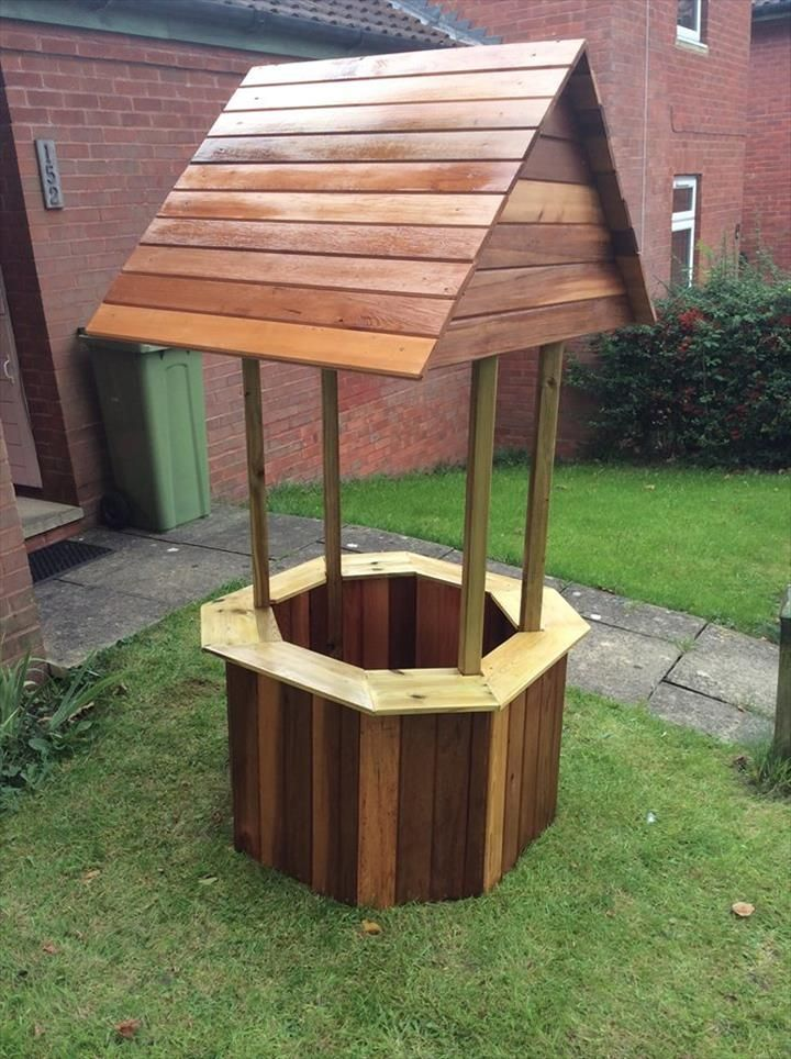 #Wood Pallet Wishing Well | 99 Pallets