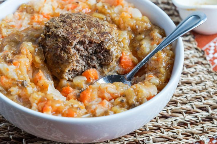 Dutch mashed potatoes and carrots and a meatball -  Hutspot met gehaktballen