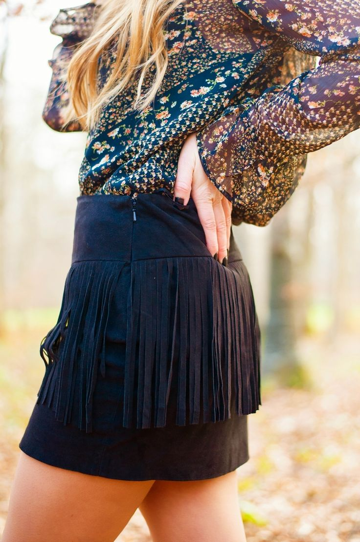 black fringed skirt mini jupe en daim noir à franges