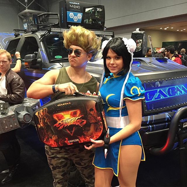 Hit like if you want this super rad #StreetFighterV custom #Vanguard! #NYCC2015