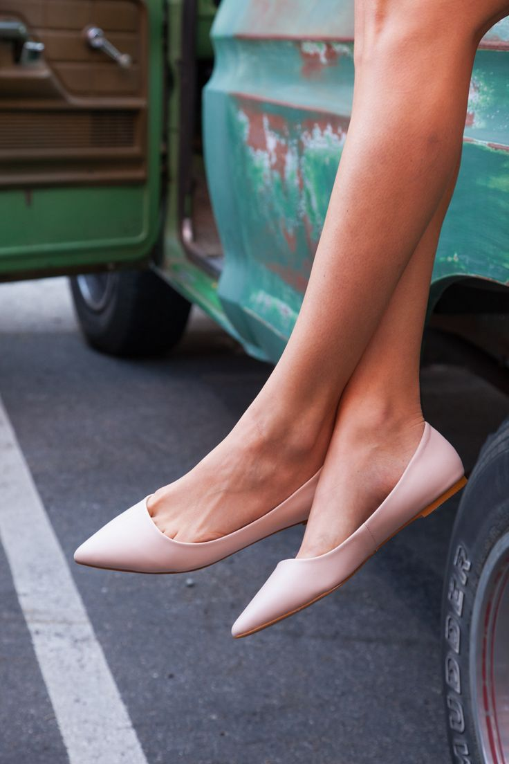 The everyday flat. #ShoeMint