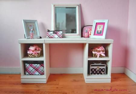 Make as a desk not vanity!  DIY Furniture Plan from Ana-White.com  A play vanity that is both adorable and easy to build. Features four cubbies, large top surface.