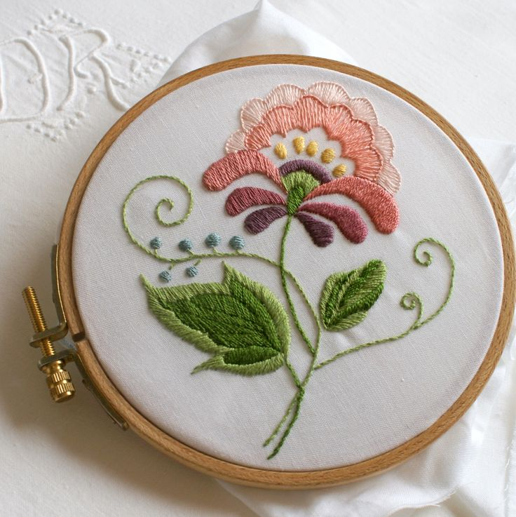 crewel embroidery projects | crewel embroidery | Sewing is my passion | Pinterest