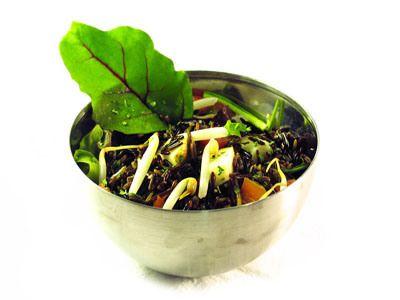 Ensalada de arroz salvaje con germinados de soja, válido para Osteoporosis y fase de inducción.