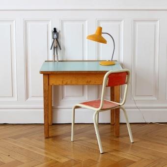 #vintage #kinderburo | Chaise et Bureau enfant lesenfantsdudesign.com