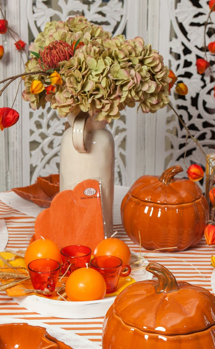 Pumpkin Colours, Hydrangea Leaves, Orange Candles and Refreshing Breezes! All these made for your happiness!